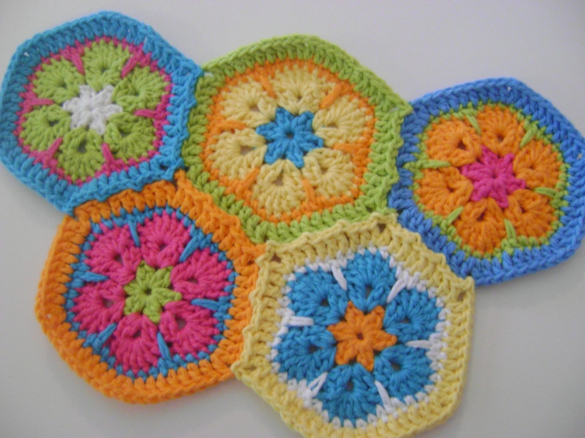 Free Knitted Crochet African Flower Pattern Dragon : Hexagons On Point in 10 Free Patterns