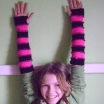 free knit pattern, armwarmers, fingerless mitts, sweet striped