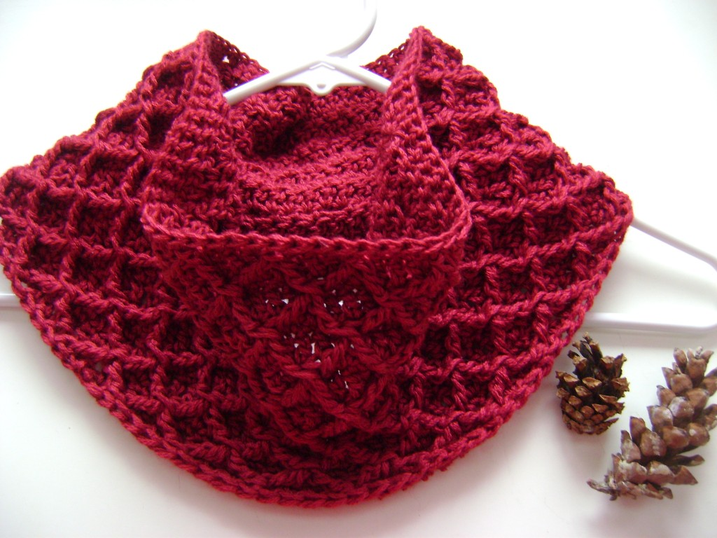 Free Crochet Patterns Cowls : Free Pattern: Diamond Crochet Cowl