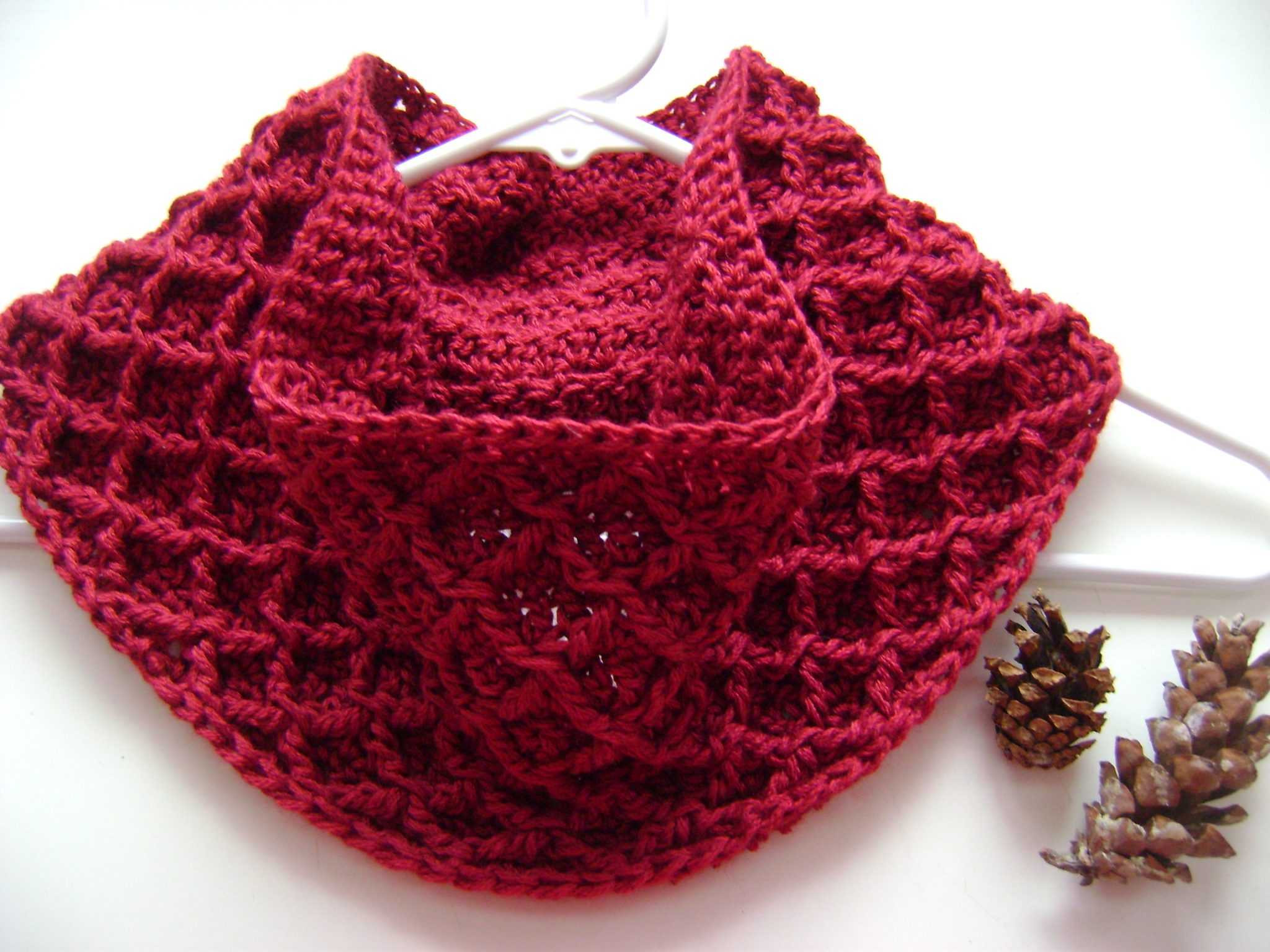 What To Crochet : free crochet cowl pattern diamonds cables winter scarf