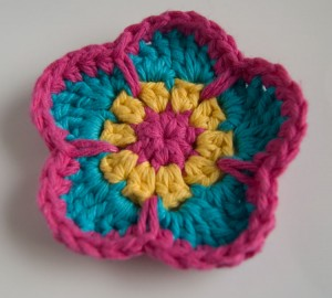 Five petal cheery crochet flower