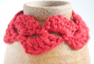 Red Kaldred crochet bracelet