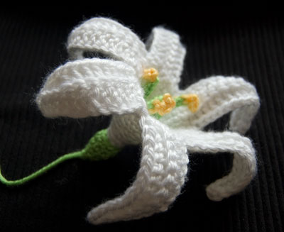 Crochet Easter Lily (November Lily) free pattern flower
