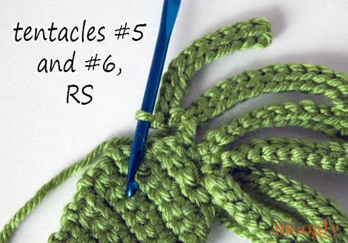 Kraken - Octopus - Squid #Crochet Applique! Free pattern with photo tutorial!