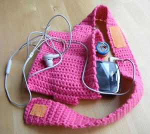Free Crochet Pattern Running Armband Music Phone Holder Runner Father's Day Gift