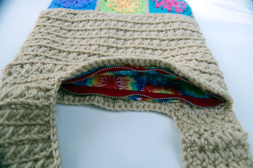 Riley Cross Body Bag: Free Crochet Pattern purse satchel pouch lined