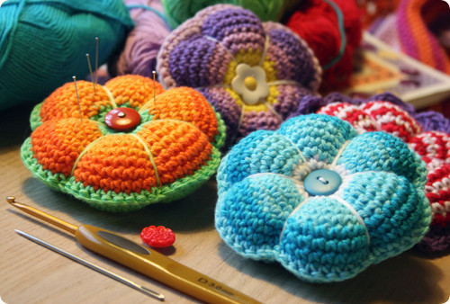 crocheted pin cushion free crochet pattern english danish hexagons