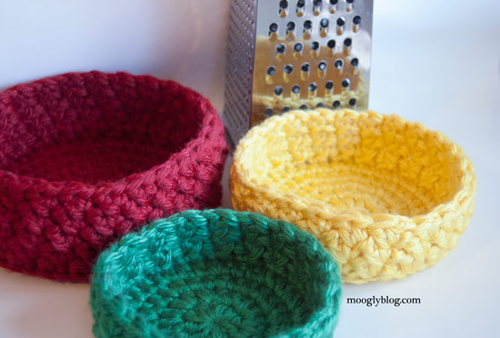 crochet container pattern birds nest bowl set nesting containers free crochet pattern stacking trinkets chunky yarn