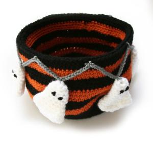 boo!tiful candy bowl candy dish pattern free crochet pattern crochet halloween decorations