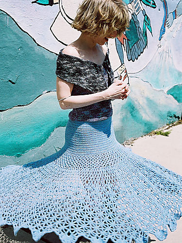 Fall\'s Hot Trend: Free Knit and Crochet Skirt Patterns!