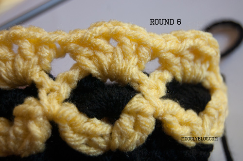 Go Team Colors Reversible Baby Hat free pattern crochet baby pattern