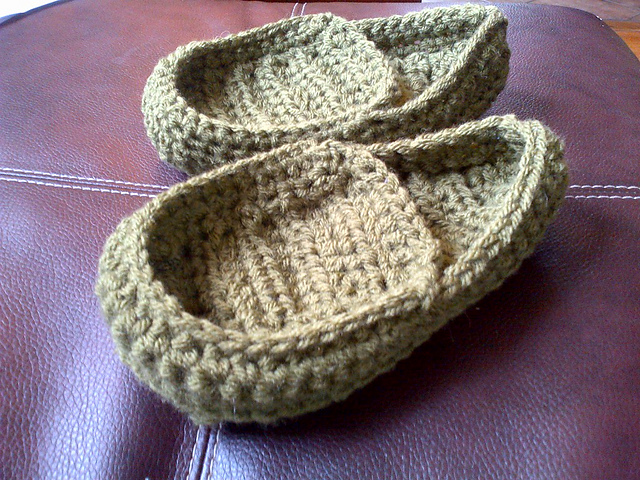 Crochet Slippers for the Whole Family with 20 Free Patterns!