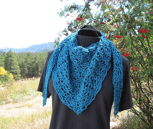 Crochet Triangle Shawl Patterns Free : Stunning Crochet Shawls in a Snap: 10 Free Patterns - moogly