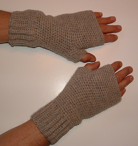 Mens Fingerless Gloves Knitting Pattern Free : Free Crocheted Fingerless Glove Pattern Roundup Images FemaleCelebrity