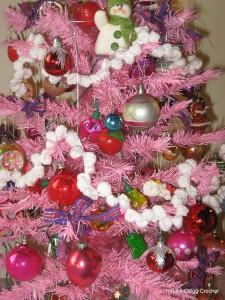 Popcorn Christmas Garland - free #crochet pattern