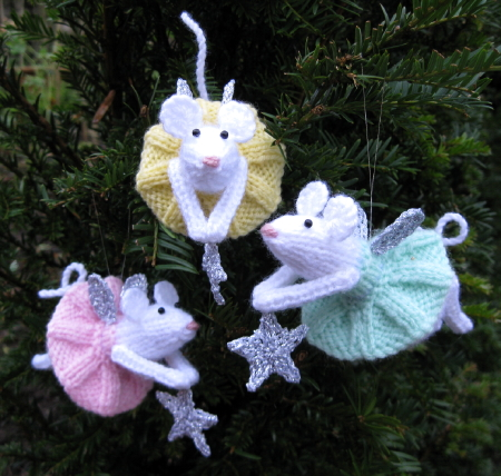 Quick Knits Free Pattern : 10 Free Knit Christmas Ornament Patterns