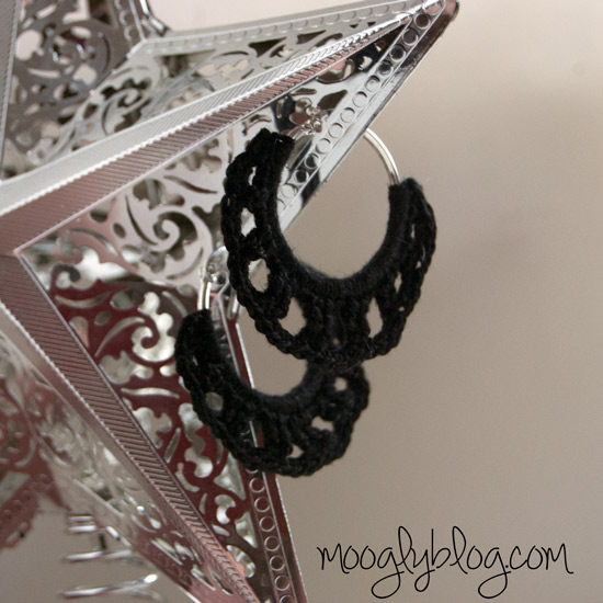 #Crochet Earrings - make them in only 30 minutes! Free pattern from Mooglyblog.com