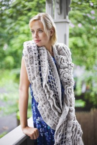 Bella Luna Shawl (and more great free ruffle crochet patterns!) via mooglyblog.com #crochet