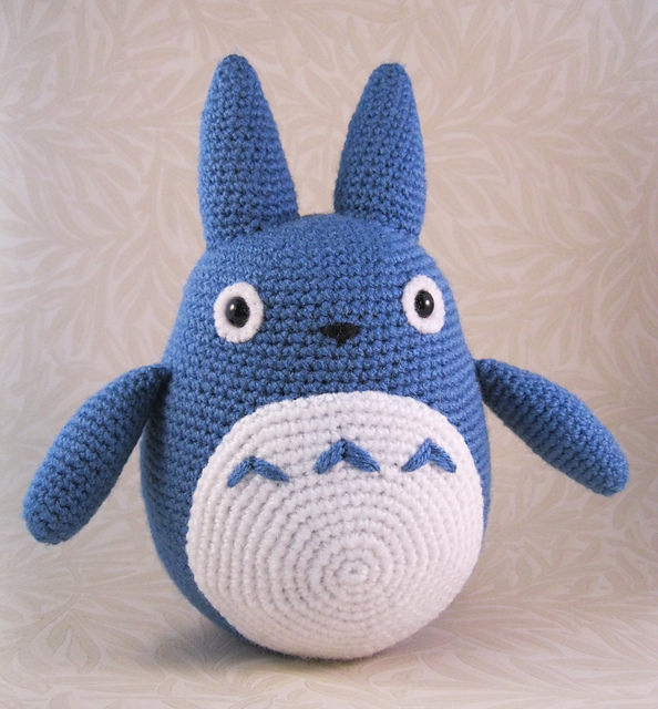 Free Amigurumi Wedding Couple Pattern : Gallery For > Totoro Blanket Pattern