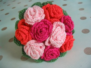Bouquet de Mariee on Ravelry - absolutely gorgeous, and a FREE pattern! #crochet #weddings #flowers