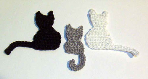 crochet cat bookmark | http://lomets.com | 266x500