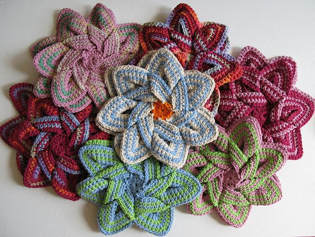 Crochet Flower Potholder Pattern : Art in the Kitchen: Crochet Potholders and Hot Pads