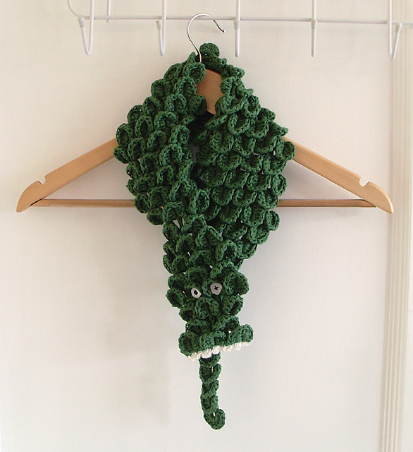 Free Knitting Pattern For Alligator Scarf : Go Crazy for Free Crocodile Stitch Crochet Patterns!