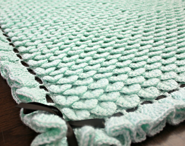 Crochet Crocodile Stitch : Crocodile Stitch Baby Blanket - free crochet pattern! #crochet