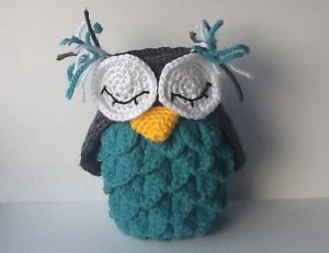 Crocodile Stitch Owl Holder - free crochet pattern