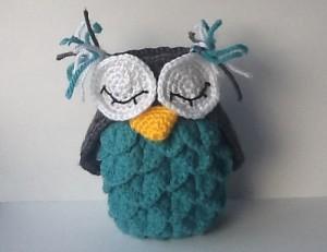 Crocodile Stitch Owl Holder - free crochet pattern