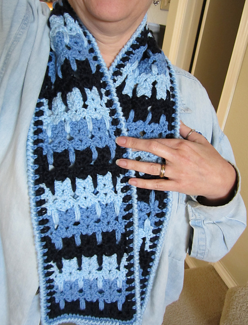 Kittens in a Row Scarf - free crochet patterns for cat lovers! # ...