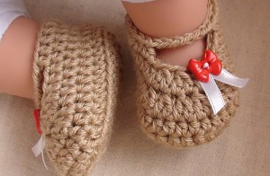 Posh Crochet Baby Booties - free pattern! #crochet
