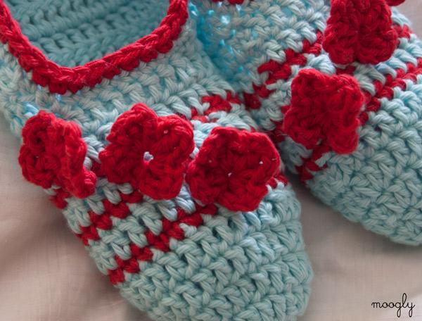 Posy Toes Crochet Slippers - free #crochet pattern