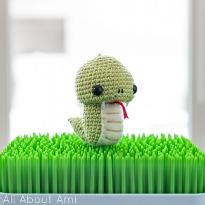 Snake - a free crochet amigurumi patterns for the new year! #crochet