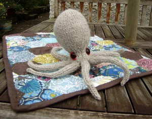 Teacupfaery Octopus - free amigurumi patterns #knitting