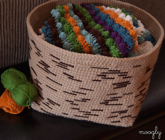 Birch Bark Basket - crochet inspired by nature! Free pattern on Moogly :)