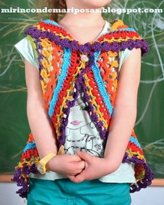 Crochet Shrugs for Girls: 10 free patterns, from super simple to fantastic challenges! #crochet