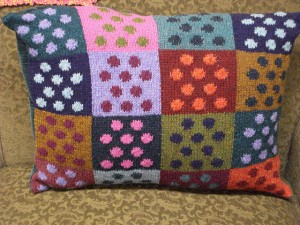 Domino Cushion - free #knit pattern