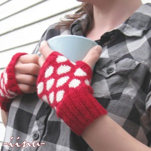 Polka Dot Fingerless Mitts #knit