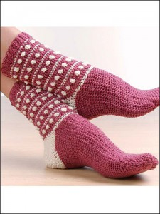 Polka Dot Popcorn Socks - free #crochet pattern