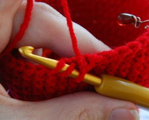 Short and Sweet Invisible Decrease Tutorial - found on Unpinning Pinterest #crochet