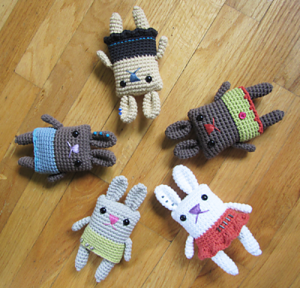 The Boxy Skirt Bunny - free #crochet bunny pattern