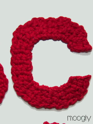 Free Crochet Pattern Letter C : Free Patterns: The Moogly Crochet Alphabet