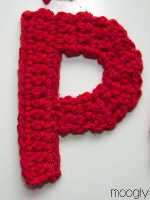 Crochet P : The Moogly Crochet Alphabet - free patterns! #crochet