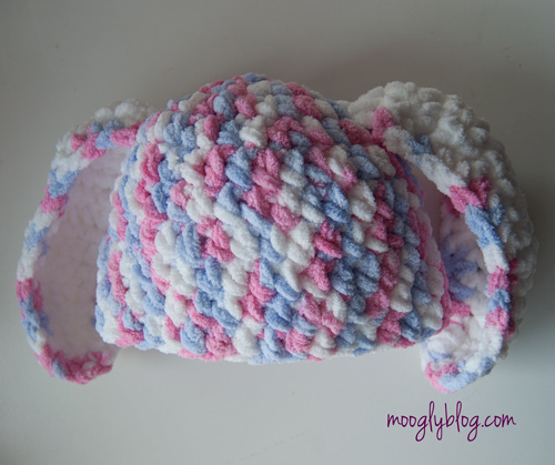 One Hour Crochet Bunny Hat - super bulky yarn and a super fast (and super 3a231f69b64