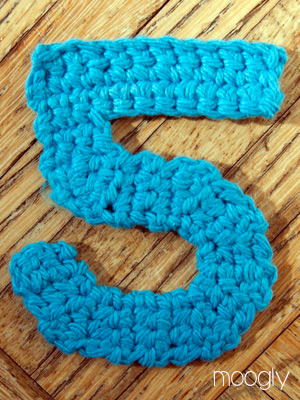 How To Crochet Numbers : The Moogly Crochet Numbers - free patterns for 0-9! #crochet
