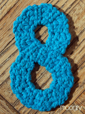 The Moogly Crochet Numbers - free patterns for 0-9! #crochet