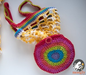Rainbow Pocket Market Bag - folds up to go anywhere! Free crochet pattern on Moogly <3