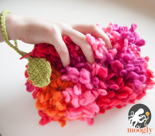Swerve Crochet Clutch