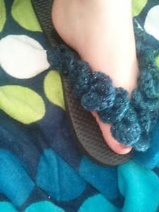 Vertical Crocodile Sandals - flip flips free crochet patterns